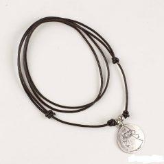 Colgante de Cuero con Medalla Inicio1,66 €