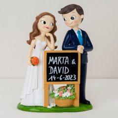 Figura Pastel Novios con Cartel Pizarra Figuras para Tartas de Boda