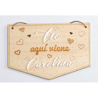 """Cartel Madera """"Aquí Viene"""" con Nombre Decoraciones de Boda15,03 €"""